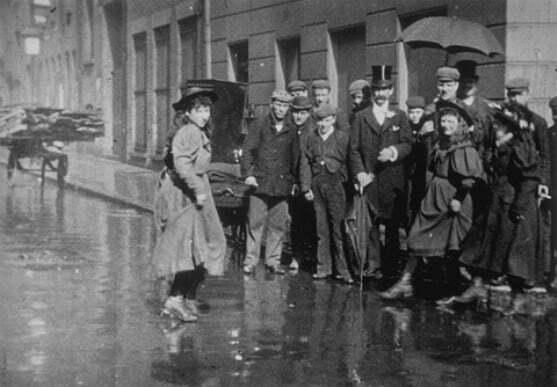 Danseuses des rues (cat. no. 249) (1896), showing dancers in the street in London
