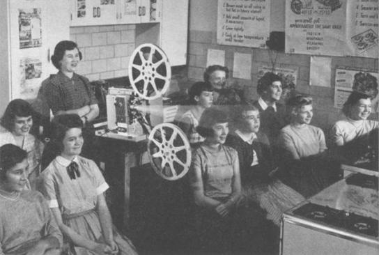 16mm film projector in the classroom, from mentalfloss.com