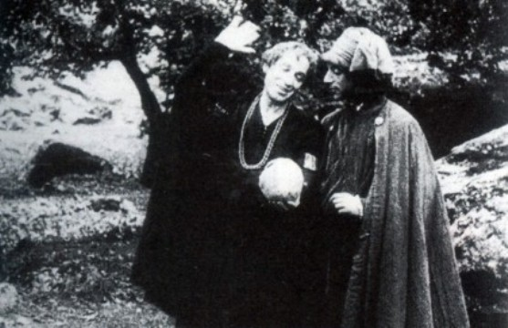 Ruggero Ruggeri as Hamlet in Amleto (1917)