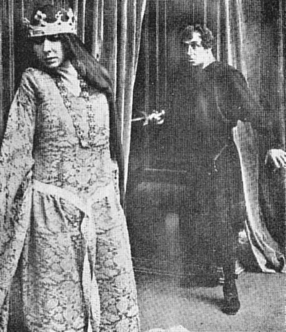 Ruggero Ruggeri as Hamlet and Mercedes Brignone as Gertrude in Amleto (1917), from Shakespeare in Silent Film