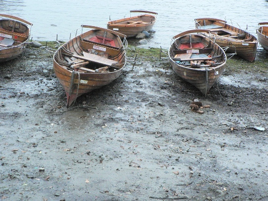 Boats on the shore at Derwentwater, Lake District, https://flic.kr/p/7wLfmN