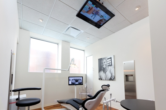 American dental office with ceiling TV, from http://gentledentistatlanta.com