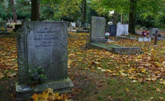 Mary Murillo's grave in Hillingdon cemetery