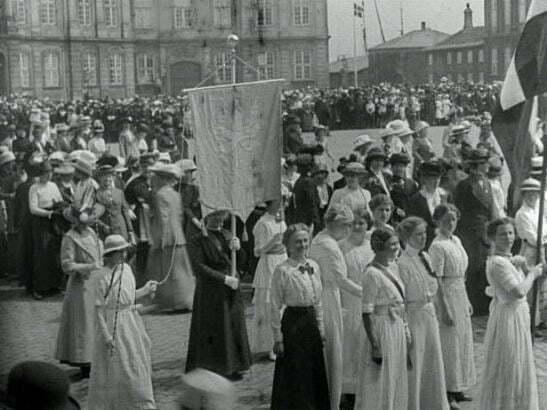 Grundloven 1915, by Julie Laurberg and Franziska Gad, from www.dfi.dk